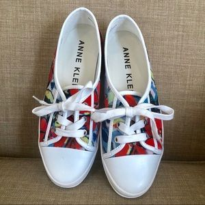 NEW AK SPORT floral print fabric lace up sneaker